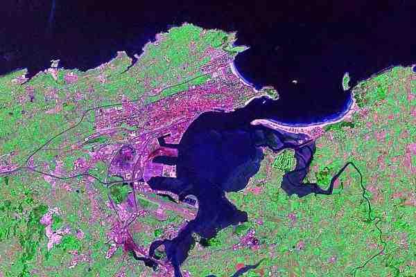 Bahía de Santander vista desde satélite.