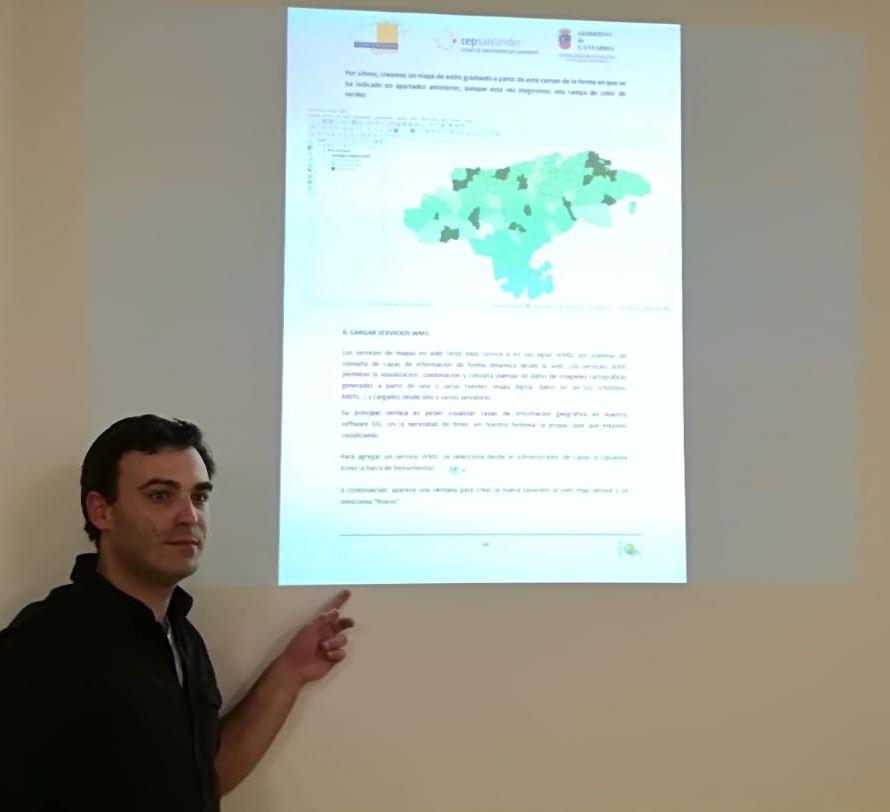"""José María García docente del curso """"Herramientas didácticas de la Geografía"""""""