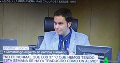 """Jonathan Gómez recibe el diploma al mérito de la """"Sostenibilidad medioambiental"""""""