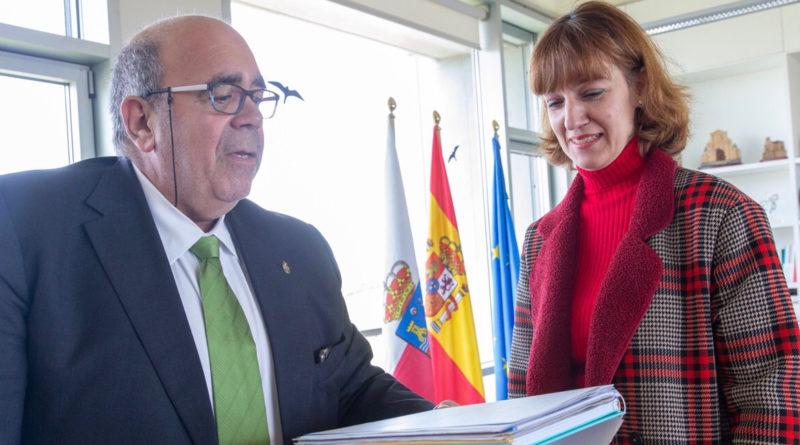Jesus Oria y Bárbara Quevedo durante la reunión (Foto: Lara Revilla)